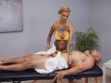 Que Bonnie Rotten te de un masaje es sexo duro XXX - Masajes Porno