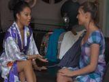 Mi vecina oriental me da un masaje - Asiaticas