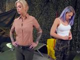 Recluta novata, en el cuartel se hace lo que yo digo .. !! - Lesbianas