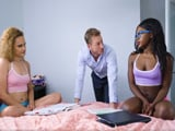 Mi hija y su amiga se quedarán toda la tarde estudiando - Negras