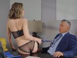 Le enseño el coño y hago con él lo que quiero la verdad - Porno HD