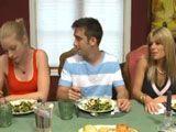 El novio de mi hija viene a casa a comer - Trios