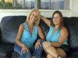 Reencuentro y sexo lésbico entre amigas - Lesbianas