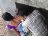 Le es infiel a su marido en plena calle - Infieles