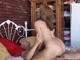 Madura muy viciosa follada por su marido - Amas De Casa