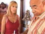 Casada insatisfecha se folla al de los muebles - Casadas