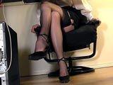 Graba a su secretaria masturbándose en la ofi - Secretarias